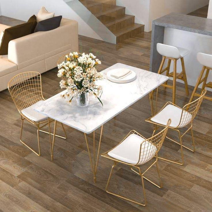 Rechteckiger Esstisch Im Modernen Chic Stil In Gold Mit Weißer Marmortischplatte Chicstil Dining Table Marble Dining Table Gold Dining Table