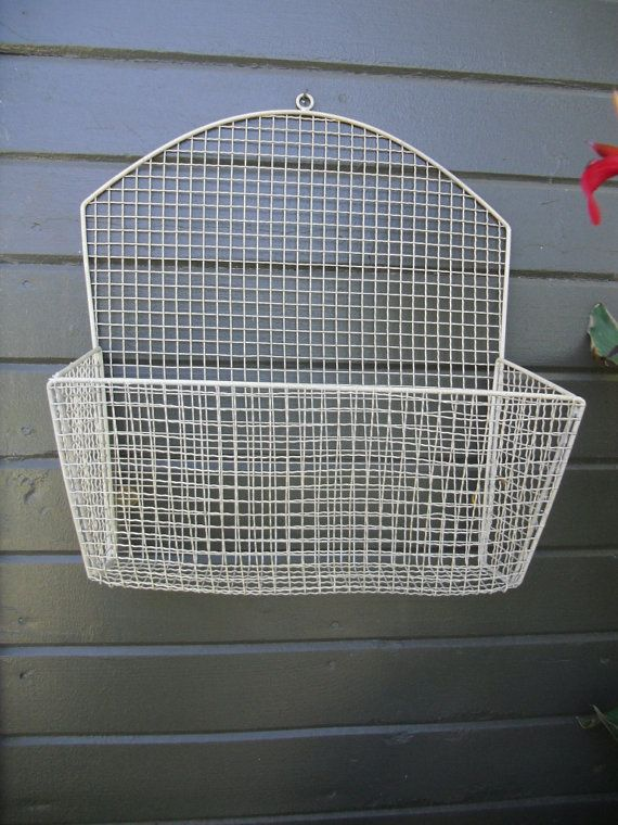 Vintage Bent Wire Mesh Metal Wall Mounted Hanging Basket