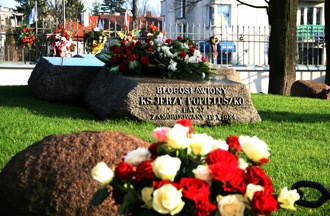 Grave of Blessed Father Jerzy Popiełuszko. Photo: M. Jelińska.