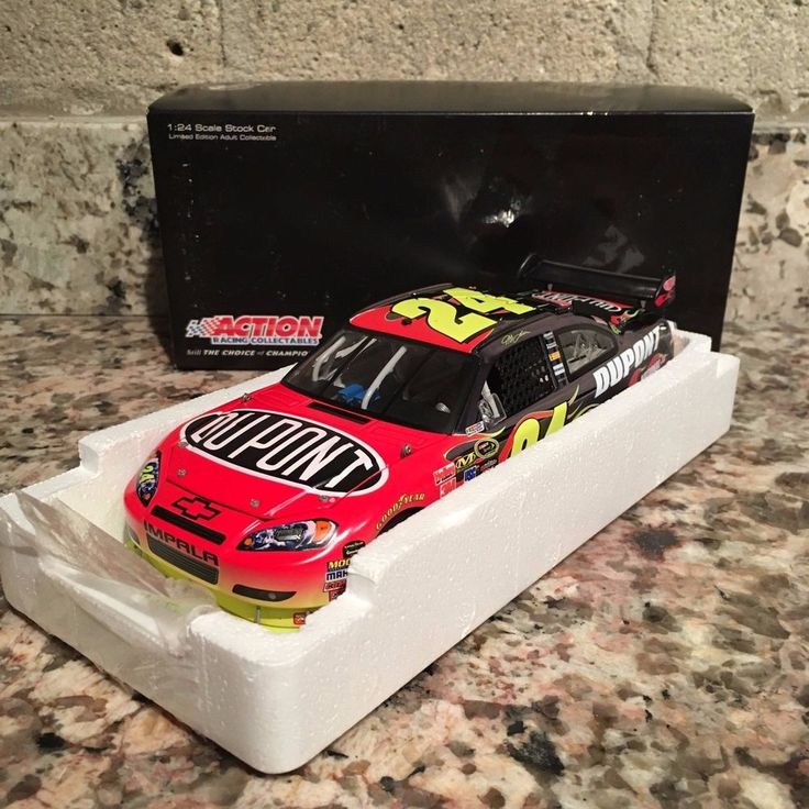 Jeff Gordon No. 24 DuPont Color Chrome 2010 Impala 1:24 Die Cast Car #Action #Chevrolet