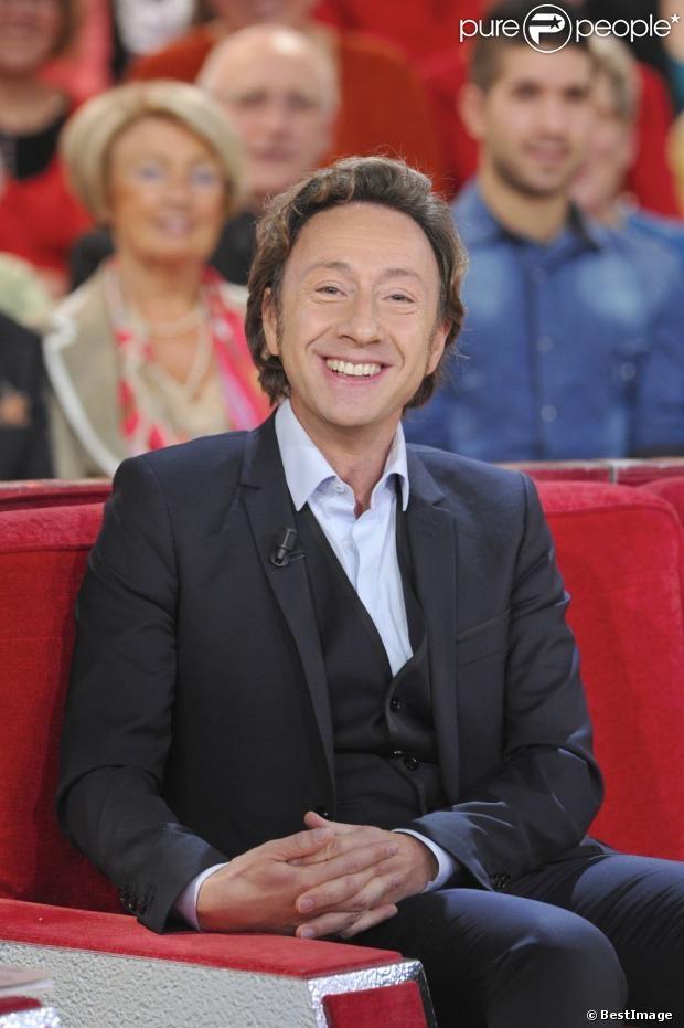 Stéphane Bern né le 14 novembre 1963 à Lyon, dans le Rhône, est un journaliste, animateur de radio, présentateur de télévision et écrivain français. Il est connu comme spécialiste du gotha et des têtes couronnées.  Il est nommé officier dans l'ordre des Arts et des Lettres en janvier 2010, et chevalier de l'ordre de Grimaldi en novembre 2011