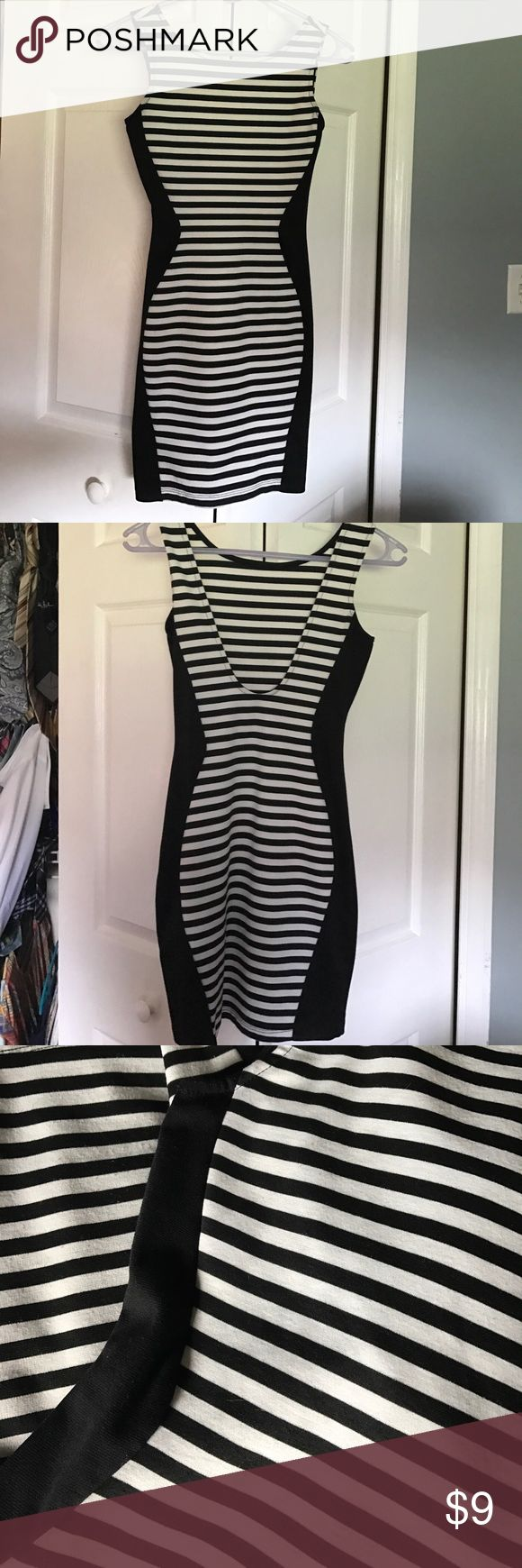 black and white stripes illusion dress Windsor store small. Gives the illusion of a great figure with black on the side Windsor Dresses Mini
