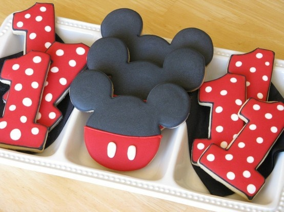 Mickey Mouse 1st Birthday Cookies decorated-cakes-and-cookies
