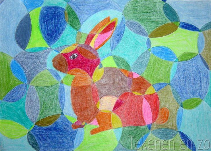 Paaskonijn. Gebruik een gekleurd papier. Bij deze opdracht wordt een konijn geschetst in het midden van een tekenvel. Met behulp van een zelfgemaakte kartonnen mal in de vorm van een paasei, tekenen de kinderen hun hele vel vol met eieren - ook over het konijn heen. Overlappingen zijn verplicht! De vlakken van het konijn worden naar keuze in warme tinten ingekleurd, de achtergrond in koude kleuren. Andersom mag natuurlijk ook!