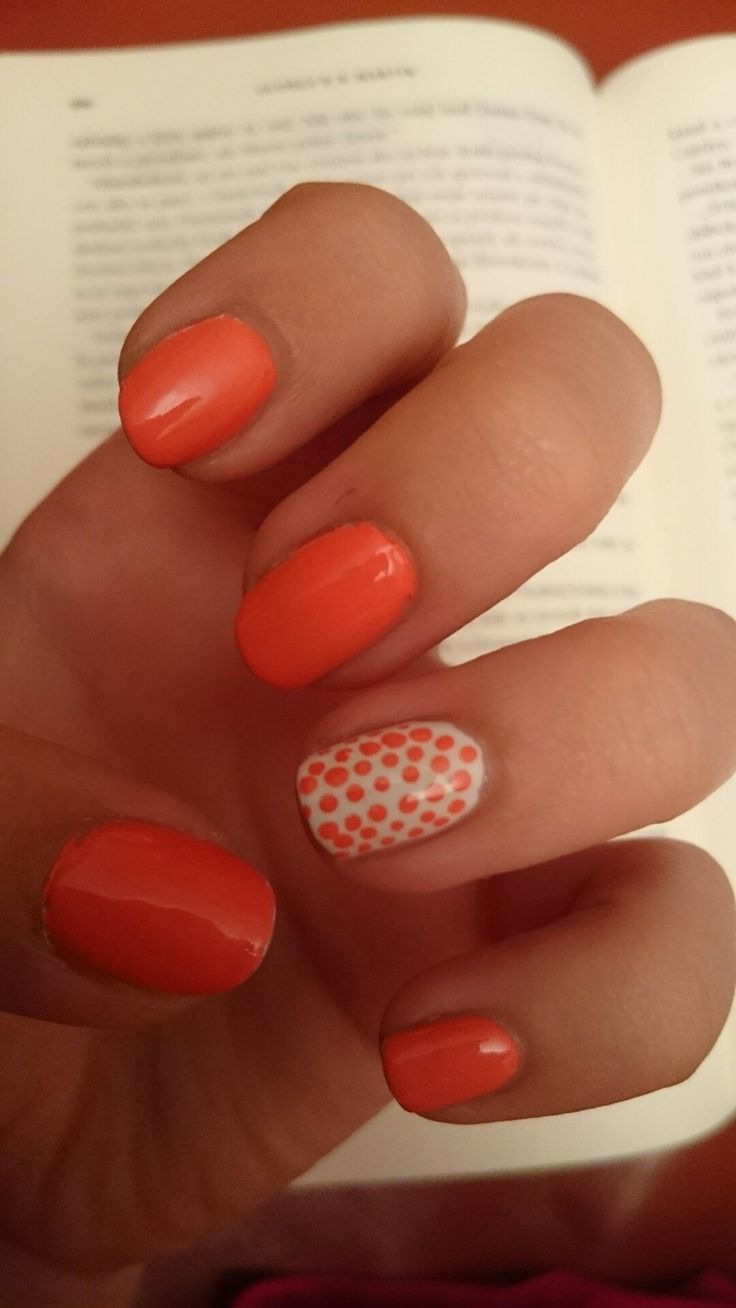 Easy but beautiful manicure for summer :)