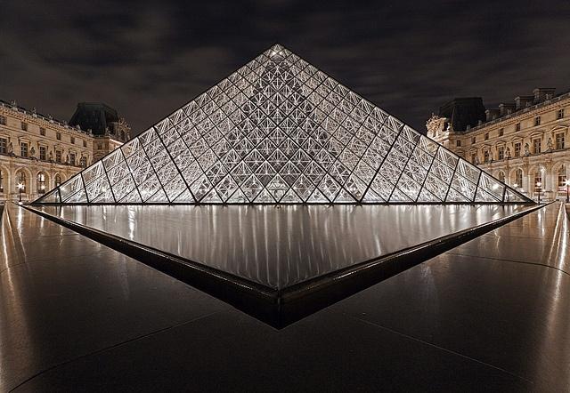 Pyramides du Louvre #architecture #travel #art