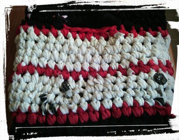 ..old t-shirt crochet bag..