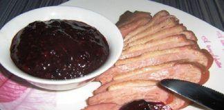 Прекрасный смородиновый соус к мясу. Поверьте с этим соусом вкус мяса зазвучит божественно!
