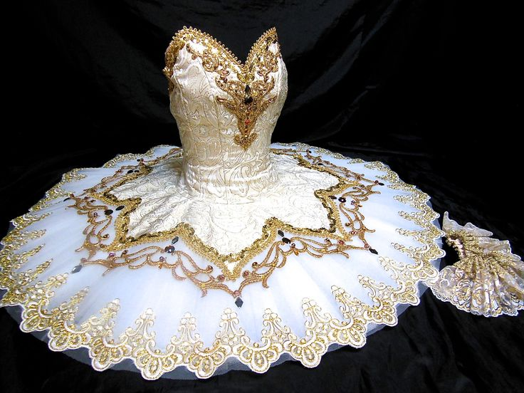 Satanella Grand Pas de Deux | Dancewear by Patricia