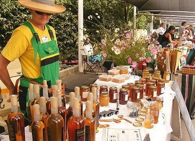 Jozi Food Market is a lovely farmers style market open every Saturday from 08h30 on the lawns of the Pirates Sports Club in Parkhurst a lovely suburb of Johannesburg