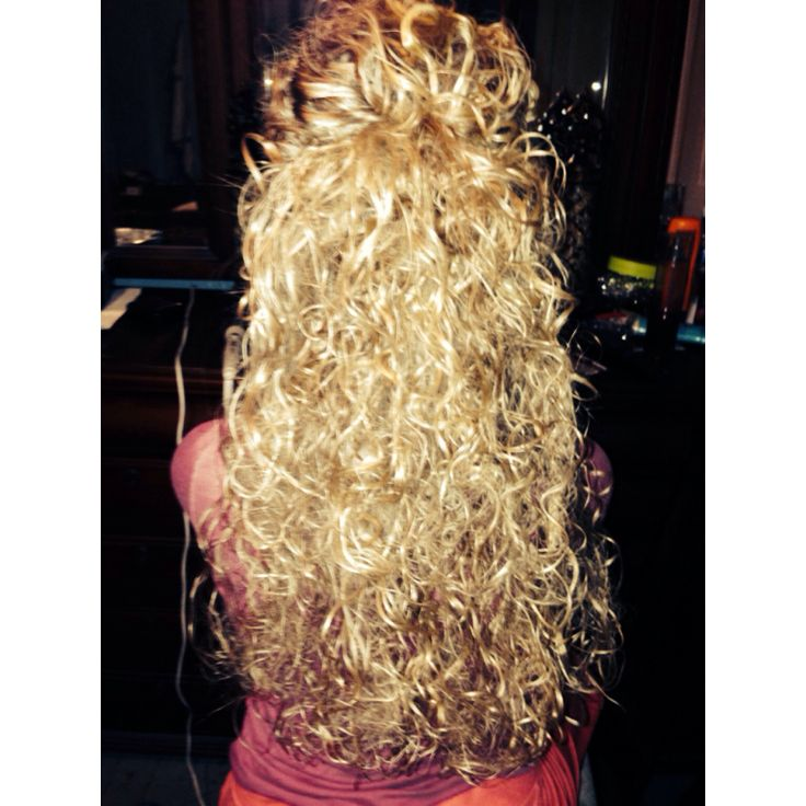 This us the full view of @Blair Shull❥ hair scrunched
