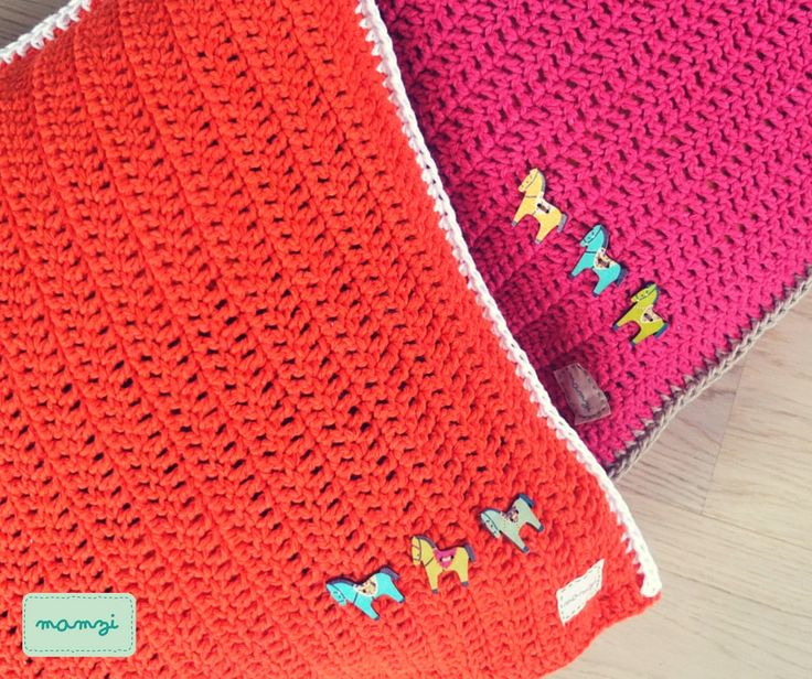 crochet pillow https://www.etsy.com/your/shops/MamziGrannyChic