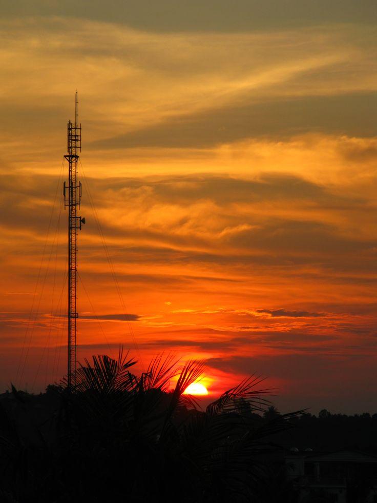 Puesta de sol en Sihanoukville, Camboya