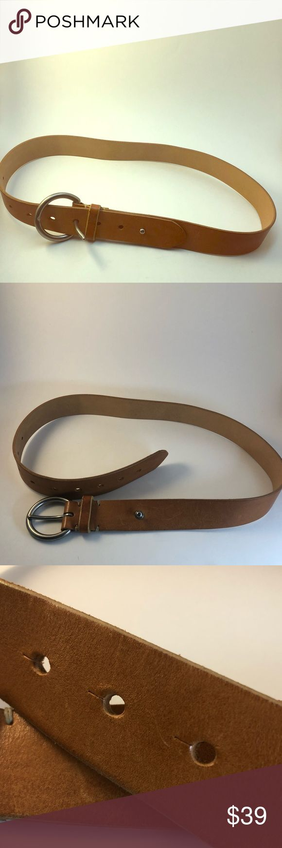Gap minimalist tan leather belt Super simple belt, yet fashionable. Can wear with pretty much anything. Normal wear and tear nothing that a little leather cleaner can't take care of. GAP Accessories Belts