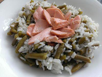 Pstrąg łososiowy z ryżem i fasolką szparagową