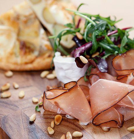 Getost-frittata med ruccola och lufttorkad skinka - Svenska Ägg