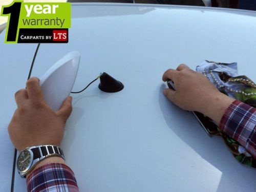 UNIVERSAL-FUNCTIONAL-SHARK-FIN-ANTENNA-COMPATIBLE-WITH-BMW-AUDI-MERCEDES-BENZ