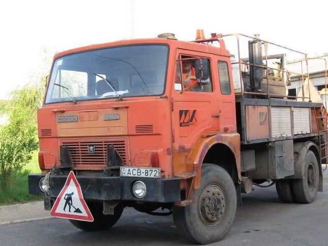 Csepel D755 4x4    Jelcz cab