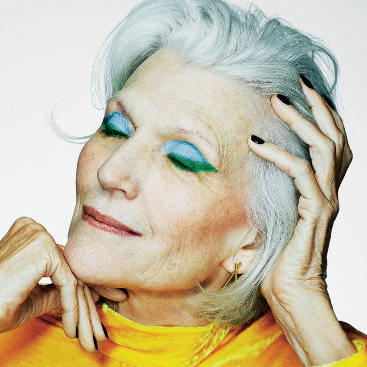 Ageless beauty in the Sunday Times Style today Blue Eyeshadow, Eyeshadow Looks, Grey Fashion, Fashion Over, Maye Musk, Thats Not My Age, Advanced Style, Ageless Beauty, Classic Style Women
