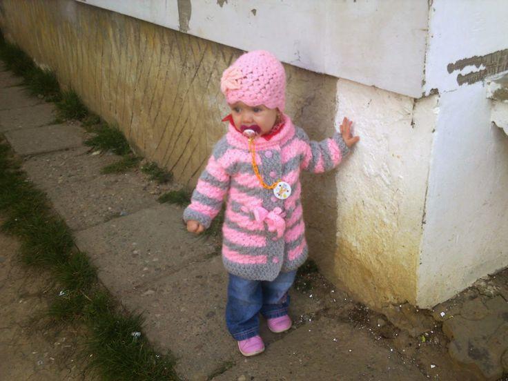 Hainute copii tricotate si crosetate la comanda: Jerseu tricotat