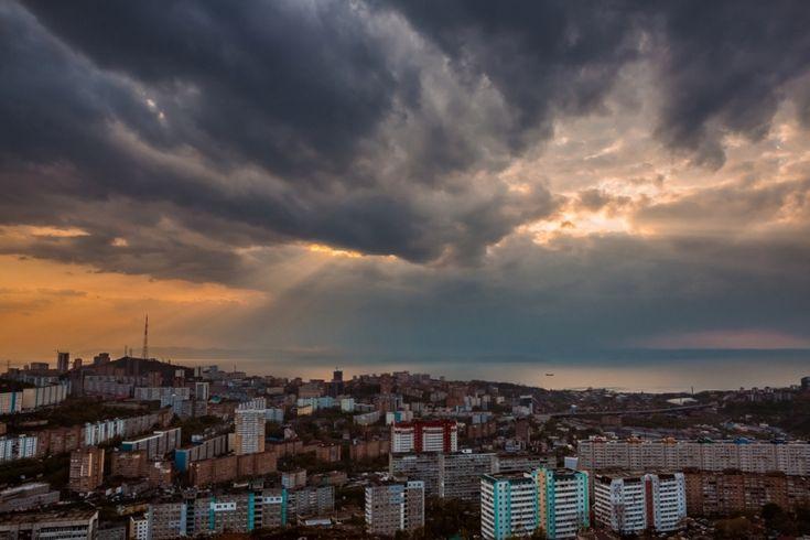 Грозы, дожди и солнце будут сопровождать новую рабочую неделю во Владивостоке - PrimaMedia