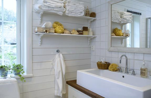 Lovely bathroom. @ sarahemmahosmig-blog
