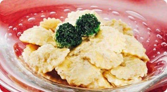 Ravioli di cotechino e broccoli con crema di cardi gobbi.