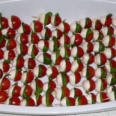 Tomaten-Mozarella-Spießchen