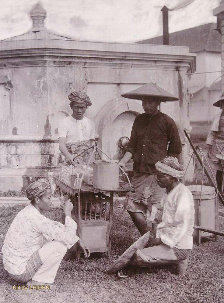 Limonadeverkoper Batavia 1880.