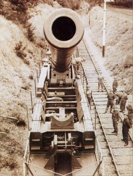The Boche-buster 18 inches (457mm) railway gun 1942, boche is french slang for german.