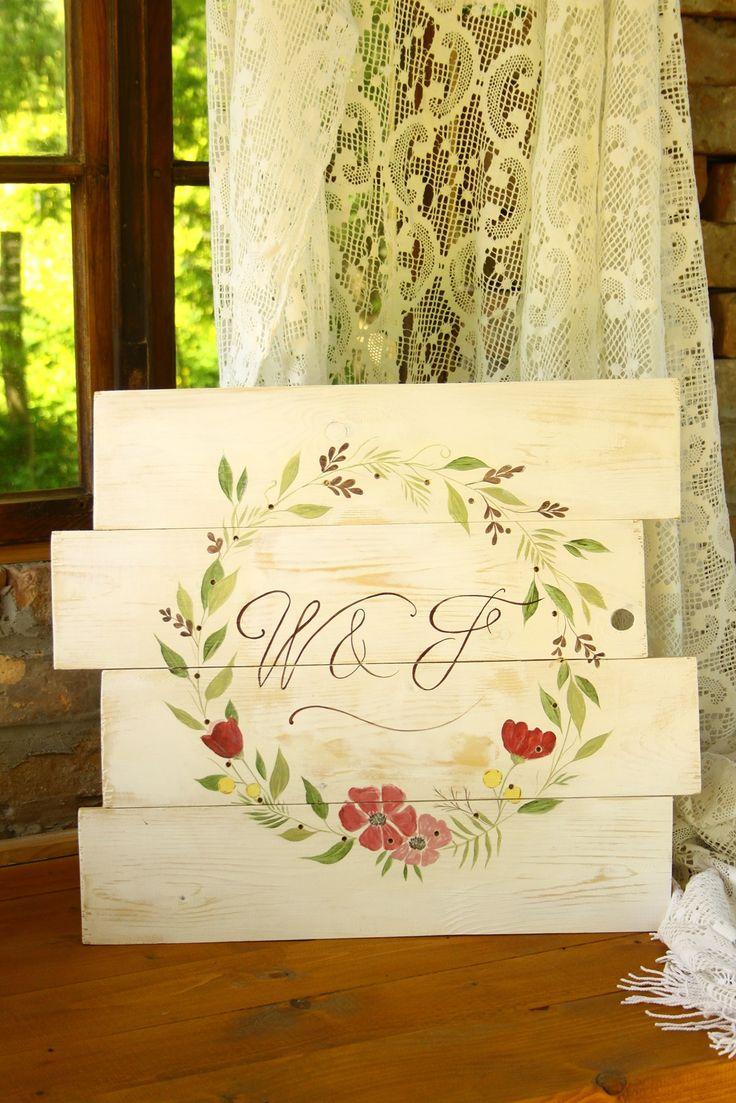 Esküvői, kézzel festett tábla az ifjú pár monogramjával, tökéletes esküvői dekorációnak és utána is örök emlék marad- wedding