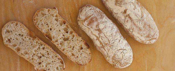 La ciabatta è un tipo di pane veneto, leggero e croccante: seguite la ricetta con foto e spiegazioni per farlo in casa.