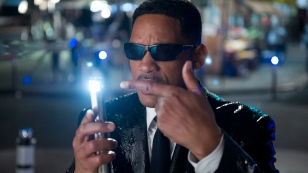 """Cineast: В Китае выпустили урезанную версию """"Людей в черном 3"""""""