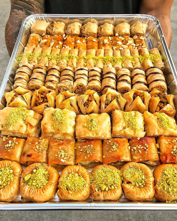 Yes I can eat an ENTIRE tray of BAKLAVA!  Follow @hungryhugh for more food!  Checkout my Snapchat : HungryHugh!  : Baklava : @thebaklavafactory : The Baklava Factory 1415 E Colorado St Ste K Glendale CA 91205  @thebaklavafactory provides BAKLAVA backup because your sweet tooth takes control.  . . . . . . . . . #hungryhugh #foodbeast #foodie #eatersanonymous #myfab5 #eaterla #eatfamous #EEEEEATS #infatuationLA #dailyfoodfeed #tryitordiet #eater #fitfam #abc7eyewitness #losangeles #lagram…