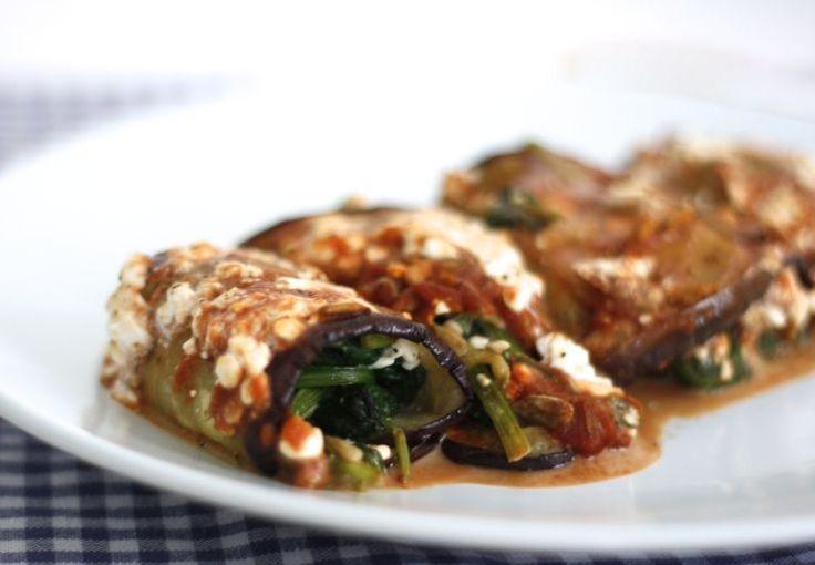 Dit recept is een skinny variatie op het zeer populaire 5 or less Cannelloni-recept van Nina. Cannelloni maak je officieel met velletjes pastadeeg. Bij deze skinny cannelloni maken we de rolletjes van