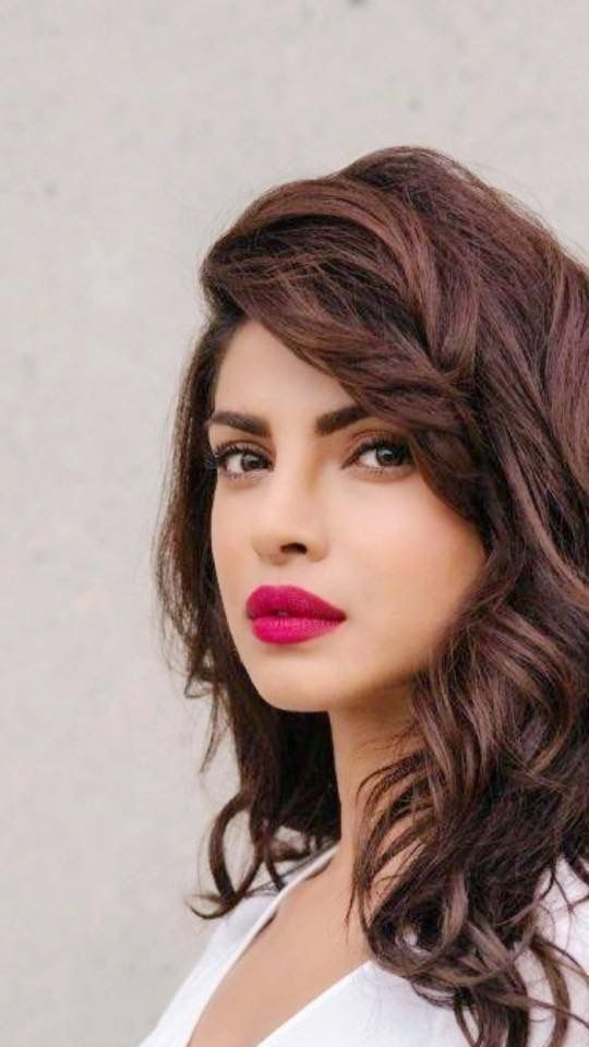 5 Times Priyanka Chopra Gave us Lipstick Goals | browngirl Magazine - Insta @browngirlmag