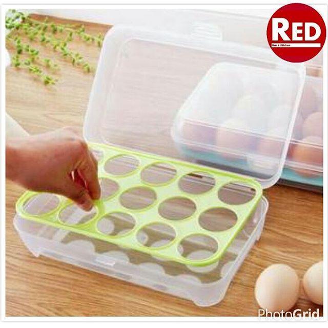 Box Telur Memiliki 15 Sekat atau Memuat 15 Butir Telur. Box telur terbuat dari bahan food grade plastic tebal, dapat juga berfungsi untuk tempat makanan, sekat untuk telur di bagian dalam box dapat dicopot.  Box telur dapat ditutup rapat sehingga tidak rawan terbuka atau kejatuhan. Dengan design ramping memudahkan untuk penyimpanan, tidak boros tempat, dapat disimpan di kulkas untuk tempat telur atau makanan, juga bisa dibawa ke pasar untuk belanja telur agar telur tidak mudah pecah akibat…