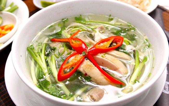 soupe de poulet aux vermicelles transparents