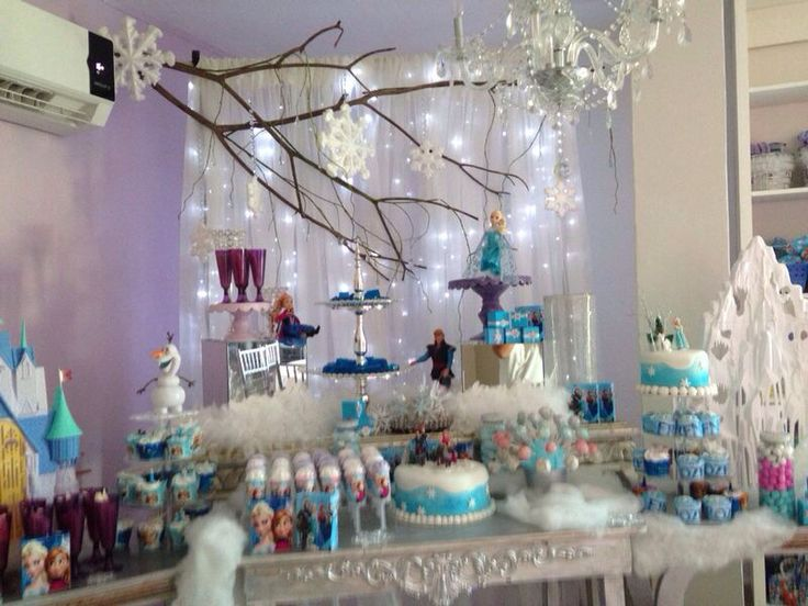Mesa de dulces de frozen frozen pinterest mesas and for Jardines sencillos