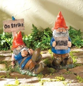 gnomesGnomes Sweets, Roam Gnomes, Gnomes Places, Gnomes Living, Garden Gnomes, Gardens Gnomes, Gnomes I, Gnomes Life, Sweets Gnomes