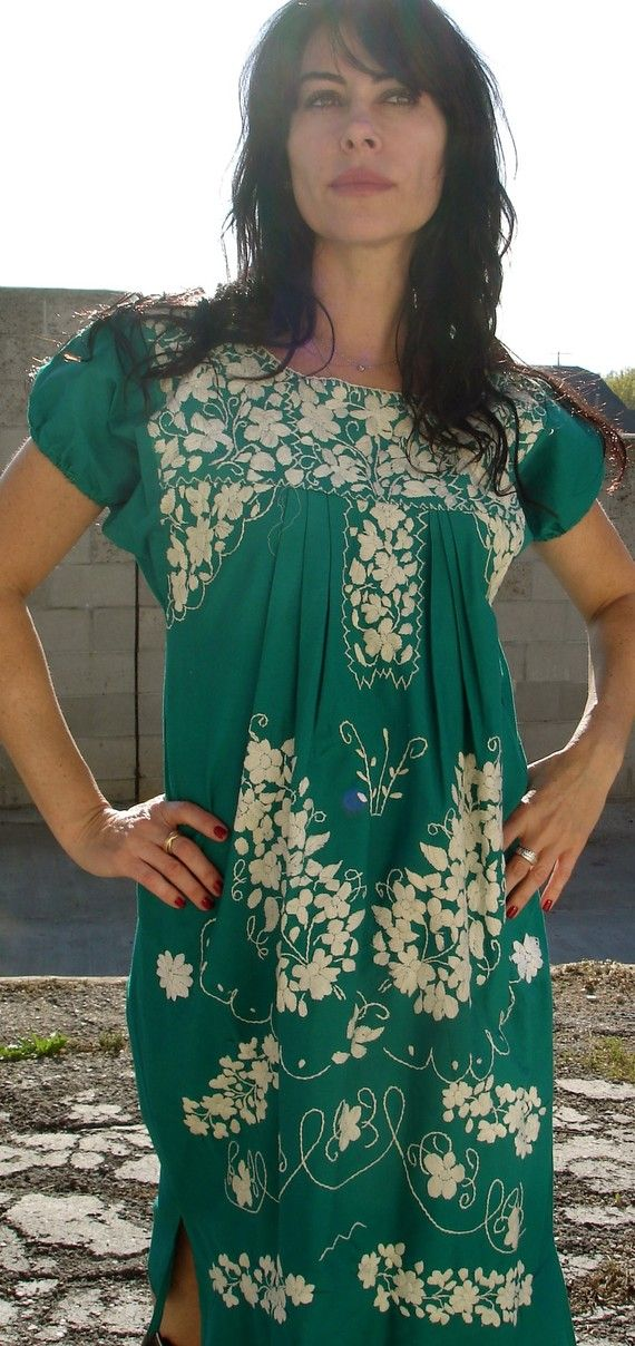 Mexican embroidered dress, green // Vdingy via Etsy