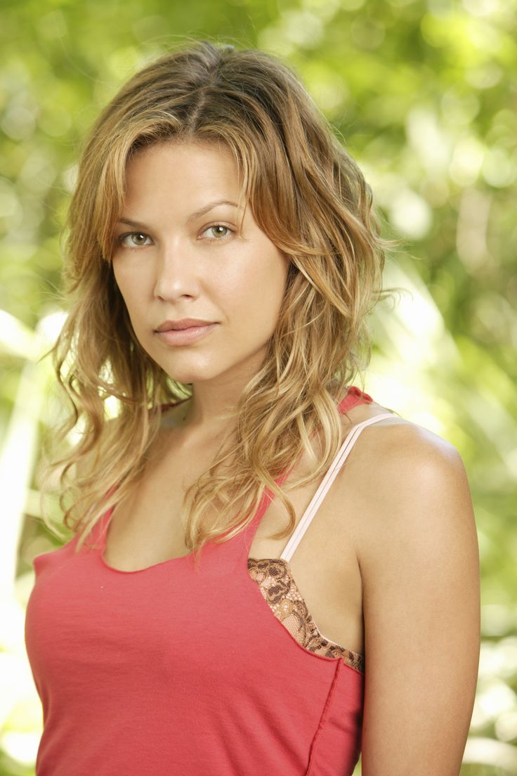 "Lost S3 Kiele Sanchez as ""Nikki Fernandez"""