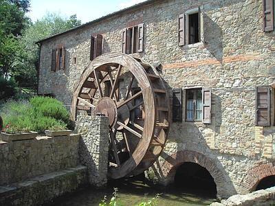 vecchio mulino in pietra | Ad acqua, storico o di lusso: da nord a sud centinaia…