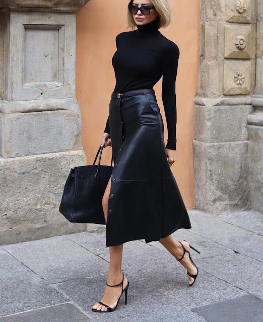 dbee5f4cdb8c Black Leather skirt #streetstyle #minimal ☆ Follow us @sommerswim for more  daily inspo