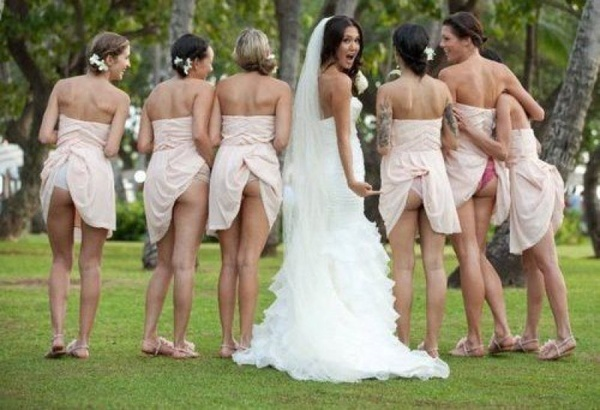 Bridesmaids Show Off ButtsWedding Parties, Photos Ideas, Wedding Pics, Bridesmaid, Wedding Photos, Funny Photos, Bridal Parties, So Funny, Wedding Pictures
