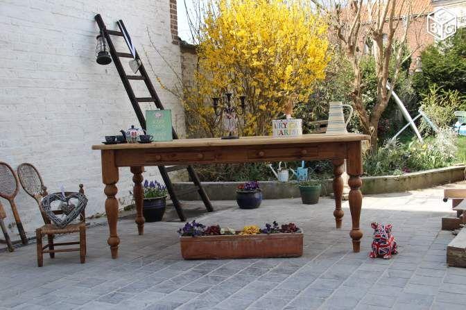 Grande table familiale en pin massif Ameublement Nord - leboncoin.fr
