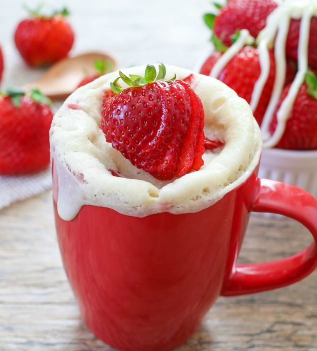 Dozens of cake recipes that can be made in mug like this strawberries and cream mug cake. Perfect for college!