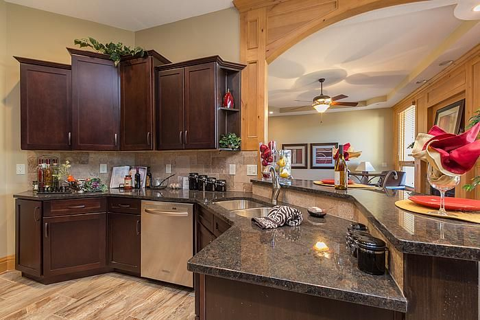 Designers Johnnie Flooring Granite And Sarah Cabinets