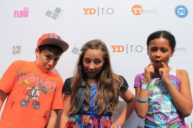 Pinned! From @Itsbrookesworld blog @SophiaEwanuik and @JacobEwanuik making silly faces with Brooke at #YDTO
