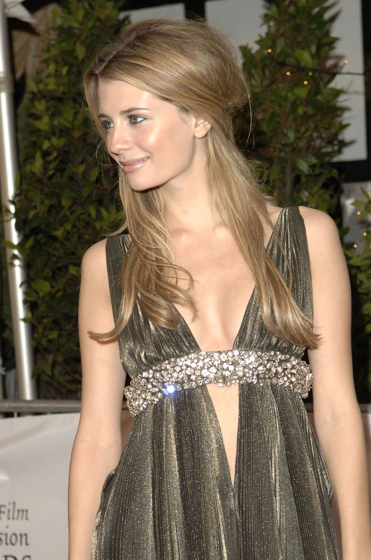 Mischa Barton sexy sweet clasic cool look - 2005 Irish Films and TV Awards <3
